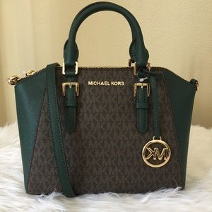 New Michael Kors Ciara messenger bag